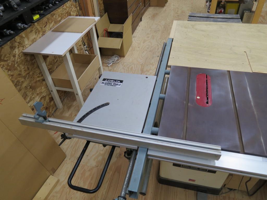 DELTA スライディングテーブル