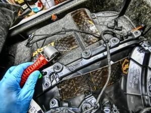 W213 フロントドア内張りデッドニング1