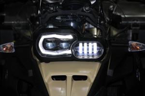 暗いヘッドライトで悩んでいる、BMW GSオーナーに朗報!