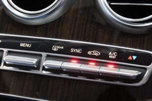 W205 コーディング イージーエントリー 標識アシスト ワンタッチウインカー スピーカー交換 エアコン内規循環固定
