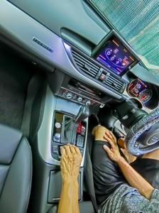 Audi A6 純正BOSEサウンド スピーカー交換 アウディ 音質向上 純正ナビ 後付けCarPlay