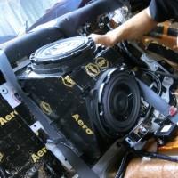R35 GTR デッドニング リアシート フロア STP ホットワイヤード 静穏化 ロードノイズ サブウーハー交換 名古屋
