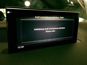 Audi Q7 MMI 純正 CarPlay 有効化 コーディング 名古屋 ホットワイヤード HOT WIRED