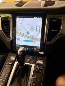 porsche macan ポルシェ マカン 純正ナビ交換 テスラ 大画面 10インチ 12インチ アンドロイド グーグルマップ ミラーリング iPhone CarPlay