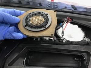 BMW ベンツ センタースピーカー交換 スピーカー交換  音質向上 純正 HOT WIRED 名古屋 ホットワイヤード