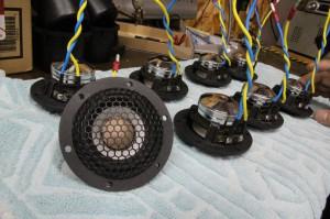 アウディ純正BOSE AUDI センタースピーカー 交換 音質向上 RAM2 Audible Physics