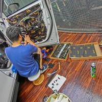 CX-5 スピーカー交換 ドアのデッド二ング 音質向上 HOT WIRED 名古屋