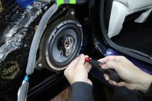 CX-8 マツダ純正 BOSE スピーカー交換 ツイーター交換  音質向上 音質改善 デッドニング サウブーハー インナーバッフル センタースピーカー サラウンドスピーカー トランクデッドニング 静穏化 ロードノイズ  吸音材 リアスピーカー取付