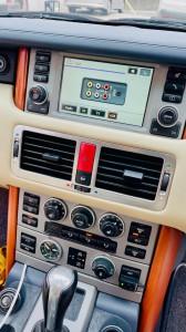 レンジローバー ランドローバー Apple CarPlay 取付 後付け ワイヤレス ミラーリング 名古屋 HOT WIRED