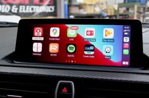 BMW M2 F30 F10 F15 G30 F34 F87 M2 M3 M4 Apple CarPlay ワイヤレス ミラーリング Android Auto 後付けCarPlay iPhone BMW純正ナビ コーディング 有効化 インストール 名古屋 グーグル YOUTUBE 動画 視聴 NBT NBTEVO EVO2 EVO CIC