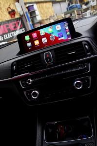 BMW M2 F30 F10 F15 G30 F34 F87 M2 M3 M4 Apple CarPlay ワイヤレス ミラーリング Android Auto 後付けCarPlay iPhone BMW純正ナビ コーディング 有効化 インストール 名古屋 グーグル YOUTUBE 動画 視聴 NBT NBTEVO EVO2 EVO CIC YAHOO カーナビ カープレイ  Android Auto アンドロイド