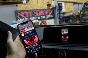 BMW M2 F30 F10 F15 G30 F34 F87 M2 M3 M4 Apple CarPlay ワイヤレス ミラーリング Android Auto 後付けCarPlay iPhone BMW純正ナビ コーディング 有効化 インストール 名古屋 グーグル YOUTUBE 動画 視聴