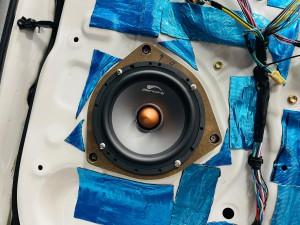 DSP内蔵 パワードウーハー 4CH.アンプ内蔵パワードウーハー フロントスピーカー用アンプ内蔵パワードウーハー Bluetooth5.0 ハイレゾ FLUC オールインワン カーオーディオ Mercury Car Audio DSP8.4HD マスターボリューム リモコン コマンダー C62 2WAYセパレート スピーカー交換 ノア