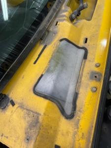 ハマー HUMMER H2 アメ車 エアコン 冷えない 修理 エバポレーター ガス漏れ コンプレッサー エアコンフィルター エバポレータ 洗浄 ブロアー アクチュエーター ブレンディングドア 温度調整 エアコンガス 外気 内記 匂い 臭い 消臭 キャビンエアフィルタ エスカレード タホ サバーバン ブロアーモーター