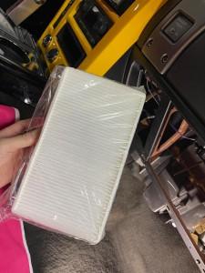 ハマー HUMMER H2 アメ車 エアコン 冷えない 修理 エバポレーター ガス漏れ コンプレッサー エアコンフィルター エバポレータ 洗浄 ブロアー アクチュエーター ブレンディングドア 温度調整 エアコンガス 外気 内記 匂い 臭い 消臭 キャビンエアフィルタ エスカレード タホ サバーバン