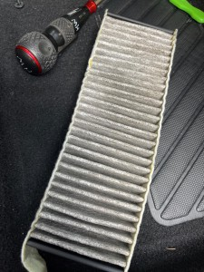 シトロエン DS5 DS4 DS3 DS7 エアコン 臭い ニオイ 効きが悪い エアコン修理 エバポレータ 洗浄 エアコンフィルタ ポーレンフィルタ