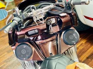 YAMAHA MAXAM マグザム スピーカー取付 オーディオ iPhone ワイヤレス Bluetooth 防水スピーカー HOT WIRED 名古屋 バイク オーディオ アンプ ビッグスクーター ジェットスキー ロックフォード 名古屋 愛知県 ROCKFORD P152