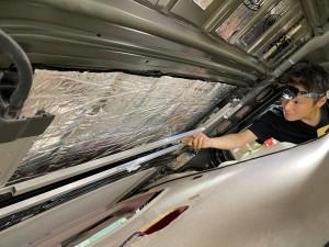 デッドニング 防音 防振 共振 静音化 快適化 最適化 遮音 遮熱 断熱 エアコンの効き 熱反射 猛暑 酷暑 ルールのデッドニング フロアーのデッドニング 断熱処理 遮熱処理 断熱材 遮熱材 シンサレート STP DYNAMAT HUMMER H2 カーゴスライド ホットワイヤード 断熱マット ルーフの断熱