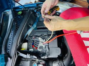 シトロエン C3 C4 スピーカー交換 ツイーター交換 デッドニング 音質向上 カーオーディオ カープレイ CarPlay Bluetooth サブウーハー  DAP 外部入力 デジタル入力 iPhone スマホ ミラーリング ヒューズブロック バッテリー