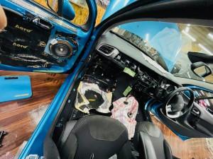 シトロエン C3 C4 スピーカー交換 ツイーター交換 デッドニング 音質向上 カーオーディオ カープレイ CarPlay Bluetooth サブウーハー  DAP 外部入力 デジタル入力 iPhone スマホ ミラーリング ナビ取付 カーナビ