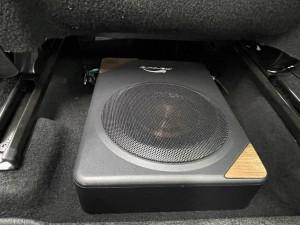 シトロエン C3 C4 スピーカー交換 ツイーター交換 デッドニング 音質向上 カーオーディオ カープレイ CarPlay Bluetooth サブウーハー  DAP 外部入力 デジタル入力 iPhone スマホ ミラーリング ワイヤリング サブウーハー  シート下に設置